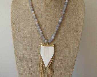 Matte gray agate necklace with beige arrowhead and gold fringe pendant, bone pendant, long necklace, boho chic, beach boho, fringe necklace
