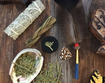 Smudge Kit: Cleaning, Meditation, Positive Energy (Sage, Sweetgrass, Flat Cedar, Abalone Shell, Quick-lite Charcoal, Mini Fan)