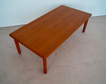 Gorgeous Mid-Century Danish Modern Coffee Table in Teak by BRDR Furbo - Made in Denmark