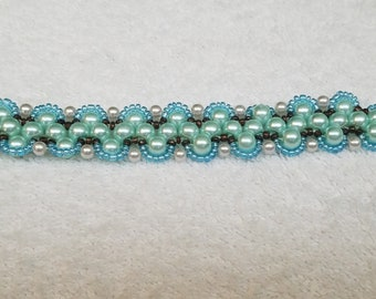 Handmade Sky Blue Pearl and Seed Bead 6inch Bracelet