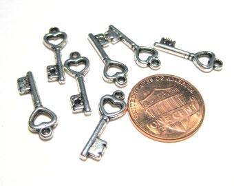 30pcs Small Antique Silver Keys Charm Pendant 19x6mm
