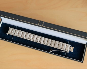 A Vintage Designer Articulated' 30s Style Rhinestone Boxed Bracelet - Jewellery / Ideal Gift /  Present