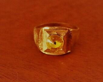 Vintage New Gold Tone Ring w/Yellow Plastic Gem Sz 9.5