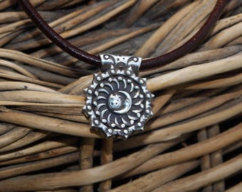 Silver MANDALA pendant with natural emerald 4 mm cabochon.