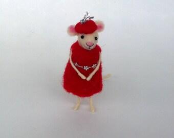 Christmas felt mouse Whimsical mice Cute mouse Waldorf Xmas ornament Holiday décor Gift idea Mouse red dress Christmas tiny animal Felt doll