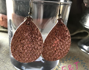 Metallic gold drop earrings