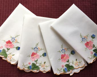 "4 Vintage Linen Towels with Applique Flowers and Embroidery  19"" x 13""  T37"