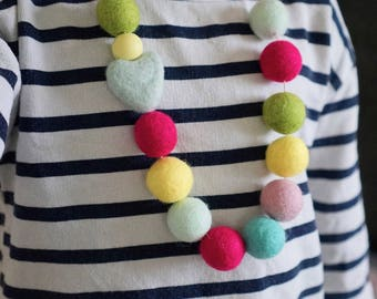 Toddler Necklace, Girls Chunky Necklace, Girls Accessories, Fidget Jewellery, Pom Pom Necklace, Sensory Necklace, Autism