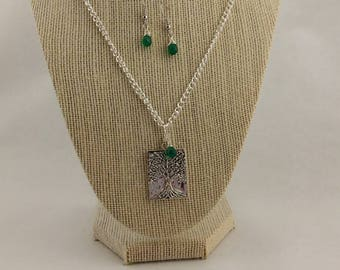Silver tree of life necklace and earrings with emerald green briolettes