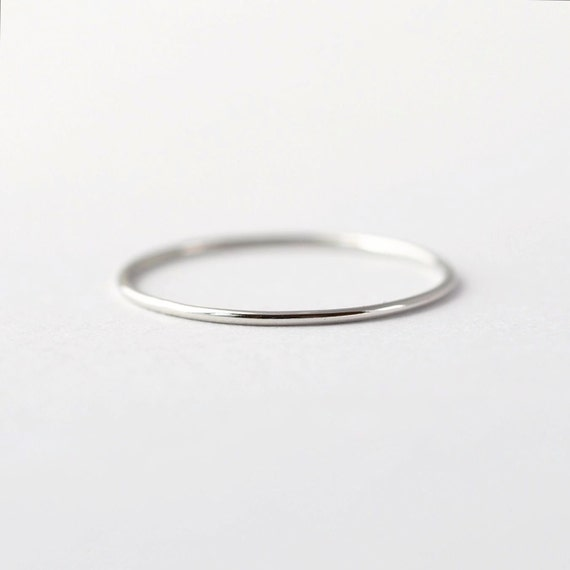 Simple platinum wedding band thin pt950 ring junglespirit Images