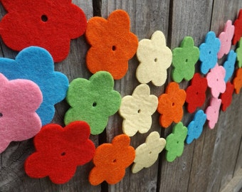 Rainbow Flower Garland, Rainbow Banner, Rainbow Nursery, Flower Garland, Gay wedding Decor, Felt Garland, Nursery Garland Rainbow Garland