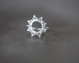 READY TO SHIP. La Dentelle ring. silver band. star ring. lace band.