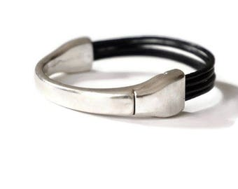 Orissa-metal silver links leather bracelet