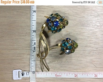 10%OFF3DAYSALE Vintage Gold Toned Pin Brooch Flowers Blue Green Teal Rhinestones Used