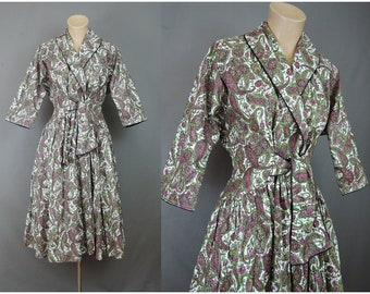 Vintage 1950s Paisley Print Cotton Housecoat Robe, 34 bust, Lucy Wrap House Dress