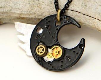 VIII Black Moon pendant