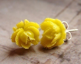 Yellow rose studs, flower post earrings, lemon yellow rose studs, custom color bridesmaid post earrings, wedding party gift