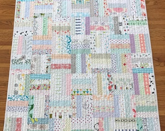 Baby Girl Quilt, Patchwork Baby Girl Quilt, Scrappy Baby Quilt, Low Volume Baby Quilt, Low Volume Baby Girl Quilt