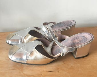Vintage 90s Gold and Silver Metallic Faux Leather Pumps, Strappy Sandals, 90s Heels, 90s Women's Shoes, Made in Canada, Size 6/6.5