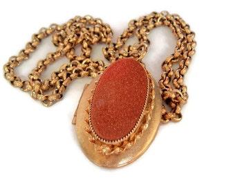 Mod Vintage ,Gold Tone,Oval Shaped, Copper Flake,Locket Necklace, Photo Locket, long necklace, Locket Jewelry,vintage locket