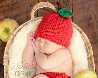 Apple Hat and Diaper Cover Set • Apple Baby Outfit • Apple Newborn Outfit • Newborn Photo Prop • Baby Shower Gift • Fall Baby Outfit