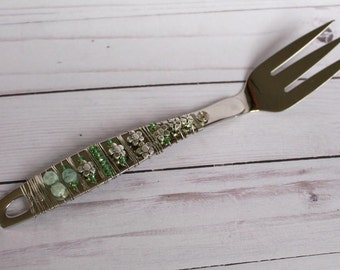 Green Flower glass beaded serving fork, serving utensil, wedding gift, wire wrapped utensil
