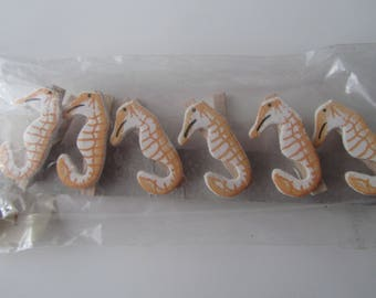 set of 6 mini wooden clothes pins decorated with a seahorse