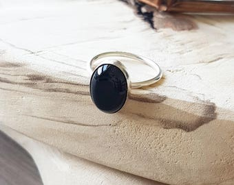 Onyx Ring, Minimalist Ring, Black Ring, Sterling Silver, Onyx, Oval Onyx Ring, Simple Ring, Gemstone Ring, Minimalist Black Ring, Oval Stone