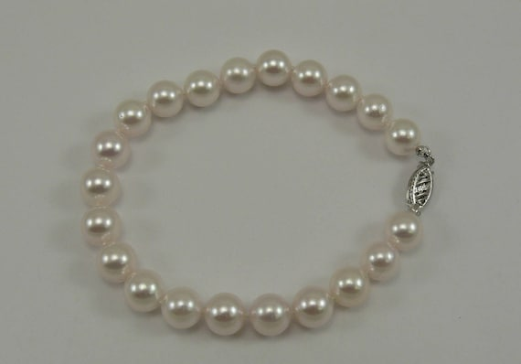 Akoya White 8.0 mm - 8.4 mm Pearl Bracelet with 14k White Gold Clasp 8 Inches