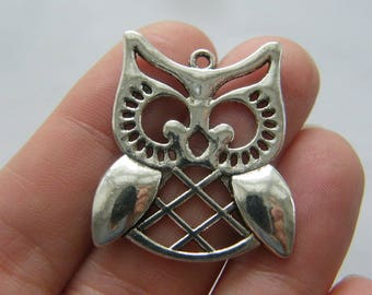 6 Owl charms antique silver tone B282