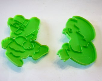 Easter Cookie Cutters: Set of 2 1978 Wilton Easter Cookie Cutters