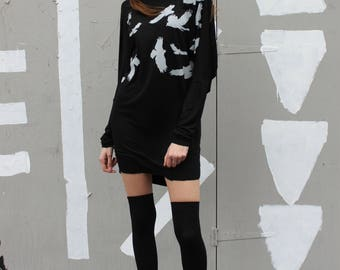 Hawk screen print batwing jersey dress.