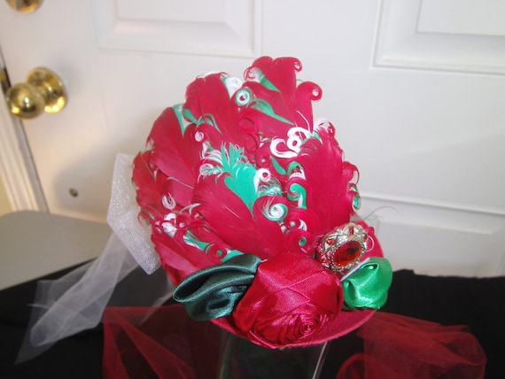 Fascinator, Christmas Handmade, Mini Top Hat, Feather, Tulle, Jewels, Hair clip, Red,Green