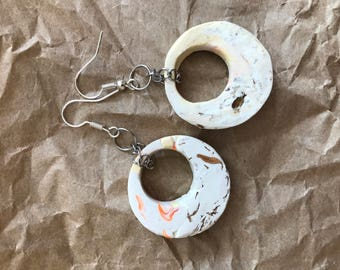 Marbled hooped earrings