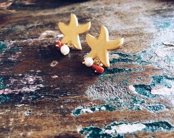 Brass earrings with starfish, beads and corallines