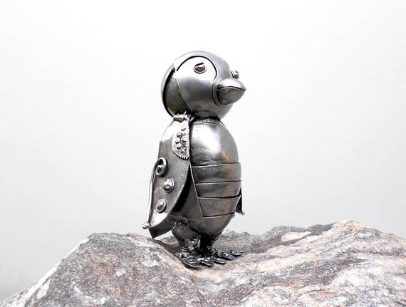 Fabulous Metal sculpture Penguin steampunk. Mechanical Penguin JA64