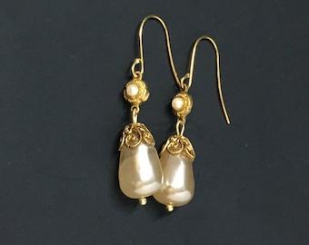 Vintage Rare Japanese Miriam Haskell Faux Baroque Teardrop Pearl Earrings   (b125)