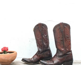 9.5 D   Men's Vintage TEXAS Boots in Burgundy Leather