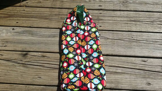 Holiday Quilted Wine Tote / Holiday Wine Bag / Holiday Hostess Gift / Wine Gift Bag / Christmas Gift Bag