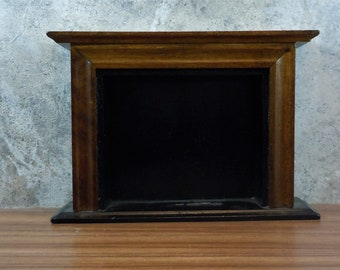 Dollhouse Miniature furniture/accessory in twelfth scale or 1:12 scale.  Fireplace.  Item #152.