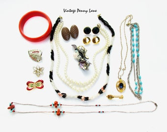 Mixed Various Vintage Costume Jewelry / Jewellery,  Destash Lot