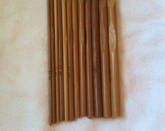 Wooden Crochet Hooks Set