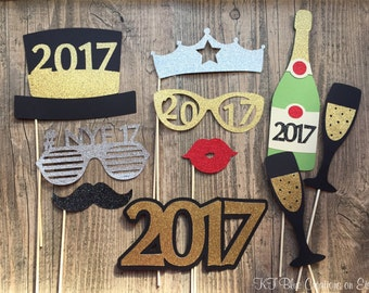 Glitter New Years Eve Photo Props - Set of 10 - NYE Props 2018 - Current Year - Photo Booth Props, nye Parties, Weddings