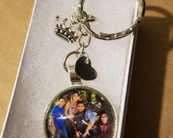 Family Photo keychain custom name (Queen & Heart Charm)