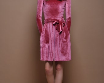Dusky Pink Velvet Mini Dress Long Sleeves Pockets