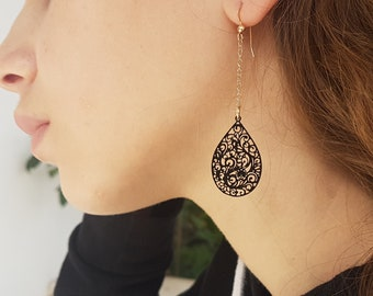 Formal earrings gold black filigree earrings, long tear drop earrings, black earrings prom, teardrop filigree earrings