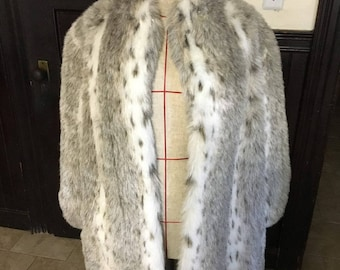 Vintage wild cat coat !  Gorgeous and classy!