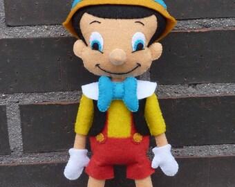 PDF pattern to make a felt Pinocchio.