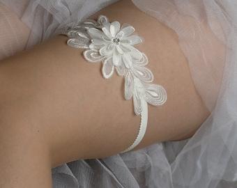 Wedding Bridal Flower Garter, ivory lace garter--size M