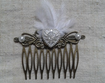 """""""heart and white feathers"""" comb"""